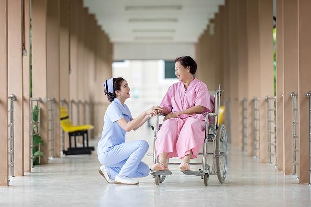 Bachelor's Degree vs Associate's Degree What's Best For Nurses